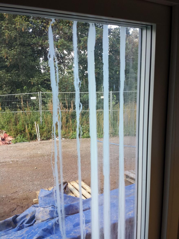 Halmstads Fönsterputs- Kalk innan borttagning